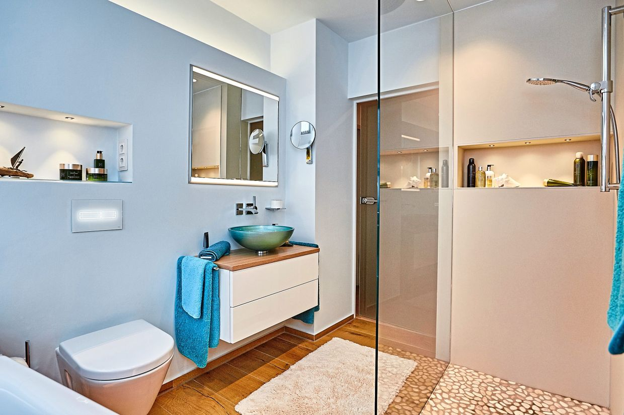 Pastel colours are bright and often have a warmer effect in the bathroom than the corresponding solid colours.
