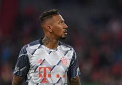 Bayern's Boateng urges players to take a knee in Champions League