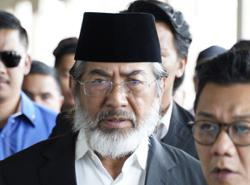 Musa Aman says he feels 'betrayed' again following dissolution of Sabah state assembly