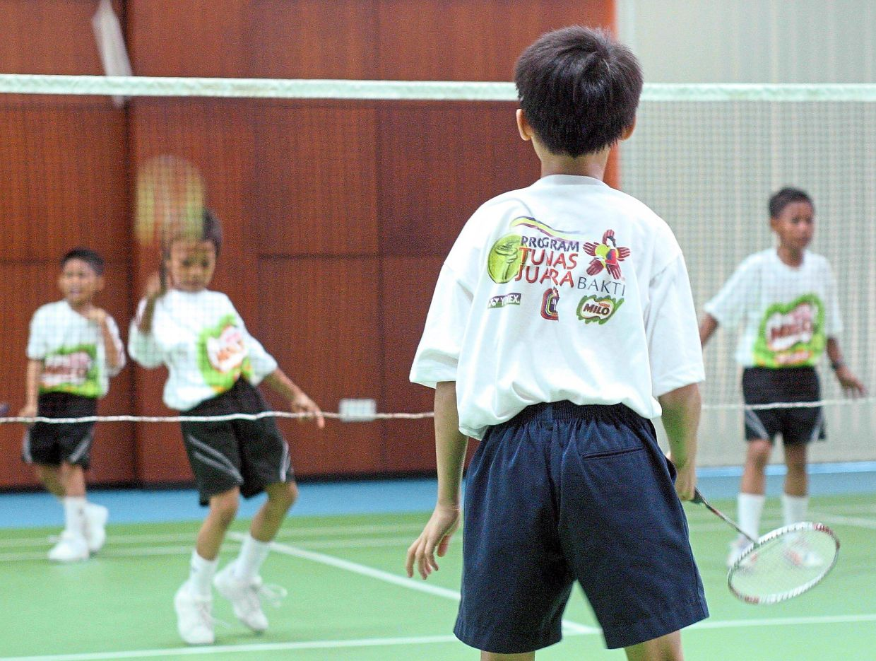 If a diabetic child starts a new physical activity, e.g. badminton or another sport, his or her insulin dose and meal plan needs to be adjusted to take into account their new energy expenditure. — Filepic