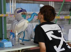 China sees 127 new virus cases, 112 in Xinjiang