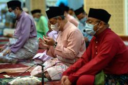 Muhyiddin performs Hari Raya Haji prayers in the new normal