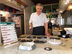 Flavours of ice cream maker, 87, makes Hungarians nostalgic