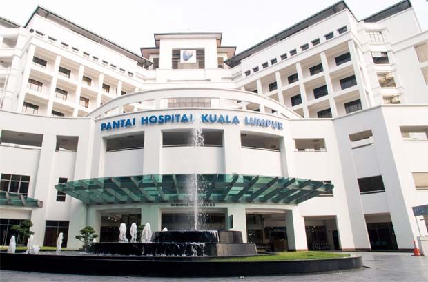 """AmBank Research is positive on IHH's latest reported results and it has maintained its """"buy"""" call on the stock with a higher fair value of RM6.58 per share. (File pic: IHH Pantai Hospital, KL)"""