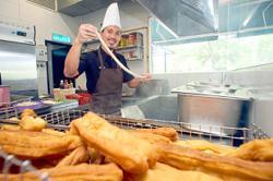 Mohd Shamsul excels at 'yau char kwai'