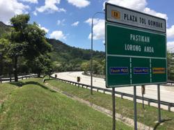 KL-Karak Highway users advised not to perform prayers on emergency lane