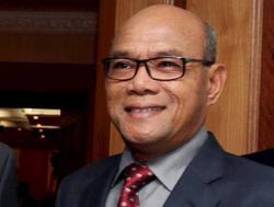 Secretary glad to fulfil late Slim rep's wish
