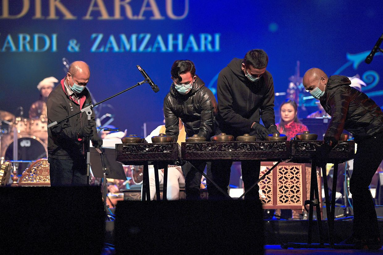 SOPs were in place for the stage crew at Istana Budaya  during its Konsert New Normal show. Photo: Bernama