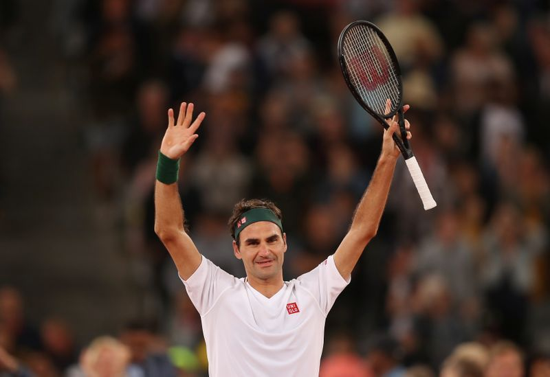 Tennis Federer Pays Surprise Visit To Rooftop Tennis Girls The Star