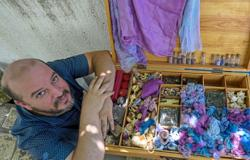 Passion for purple: revives ancient dye in Tunisia