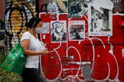 New York City erects quarantine checkpoints to curb coronavirus