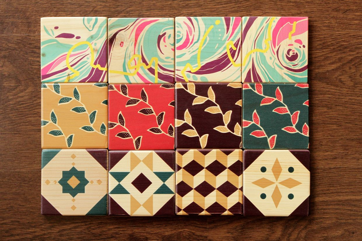 Dapo coasters come in classic or batik designs.
