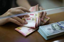 Indonesia to provide cash transfers to boost consumption