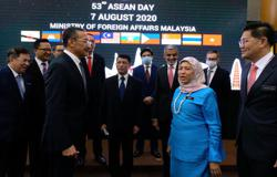 Hishammuddin: Asean must purchase Covid-19 vaccine as a bloc
