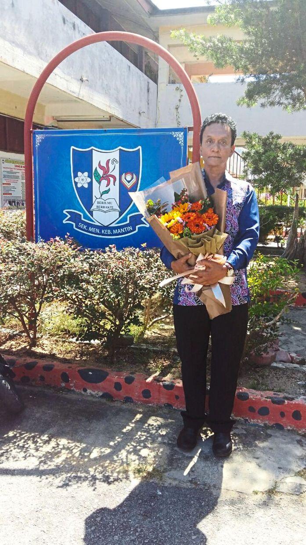 SMK Mantin English teacher retires