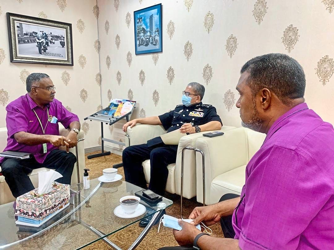 Jawahar (right) with Mosin, who is Presma deputy president meeting Mazlan.