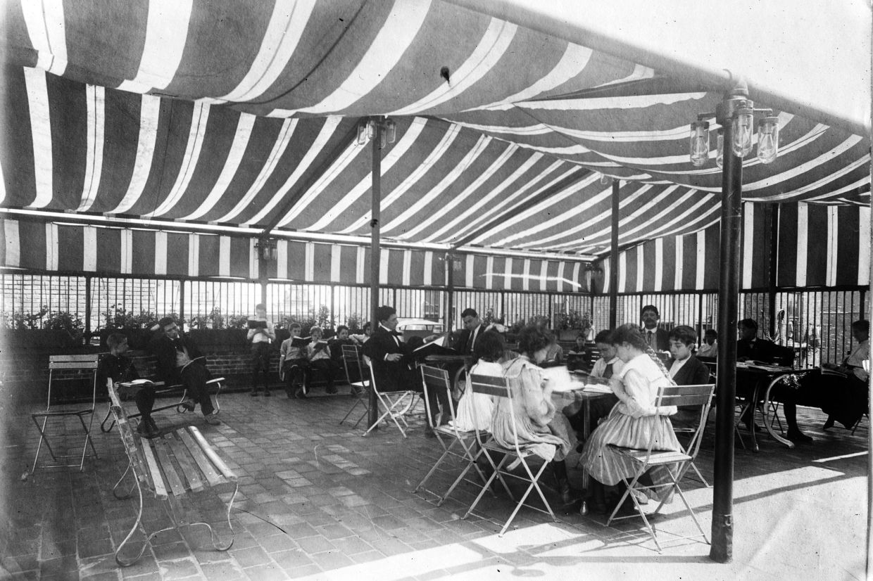Outdoor classes were done during the tuberculosis and influenza outbreaks in the early 1900s.
