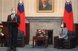 U.S. health chief offers Taiwan 'strong' support in landmark visit