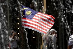 Ipoh Mayor: Replace torn and shabby Malaysian flags with new ones