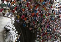20,000 paper birds help fund COVID-19 units at Belgium hospital