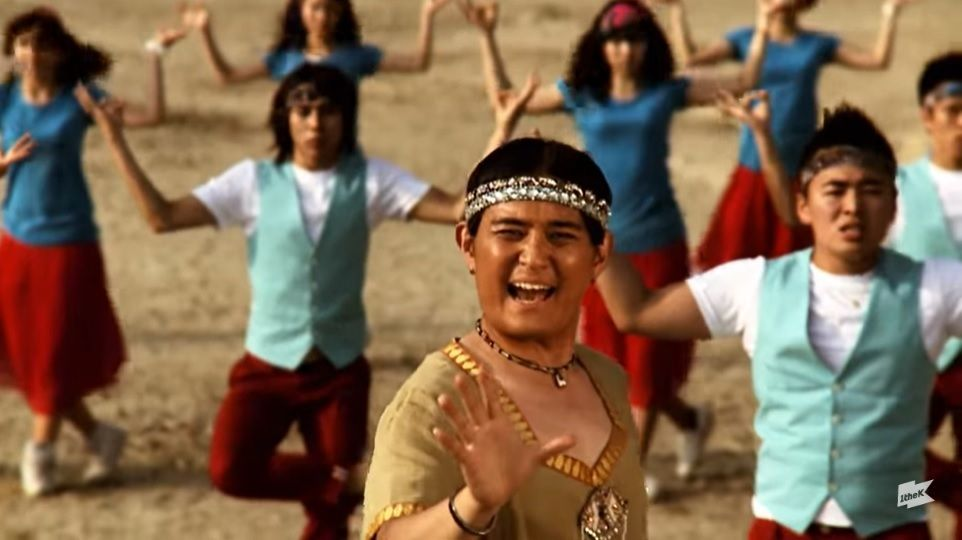 Zo Bin of Norazo in the 'Curry' music video. Photo: YouTube