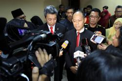 Ex-MACC chief Shukri denies taking orders from PM to unfreeze accounts of suspects under investigation
