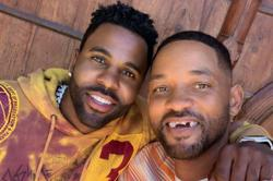 Will Smith's front teeth knocked out by Jason Derulo in golf game