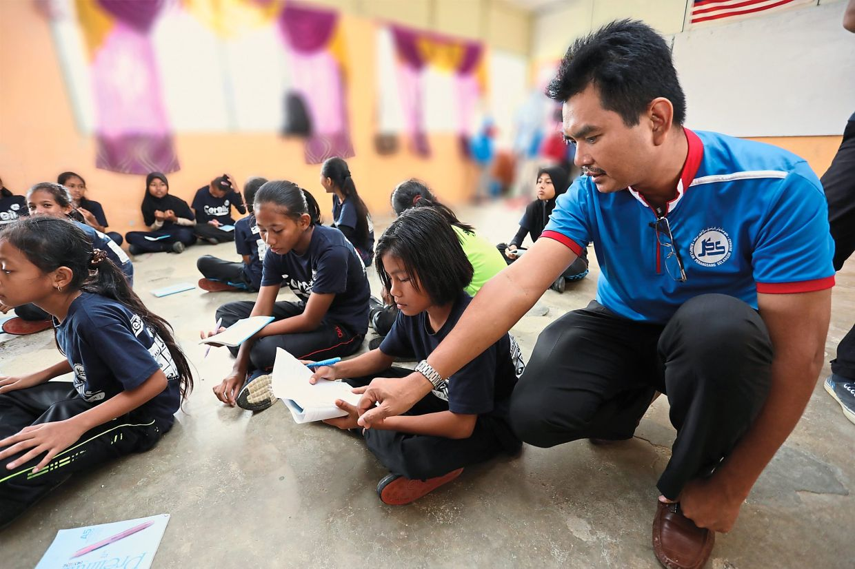 The CerDik programme modules are designed to address issues that concern Orang Asal students aged 10 to 14 years.