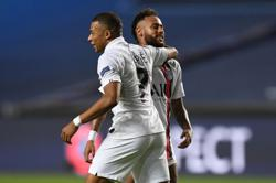 Last-gasp PSG beat Atalanta to reach Champions League semis