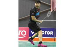 Another blow for Goh as bad back acts up during mixed doubles match