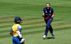 Former England spinner Laura Marsh calls time on career