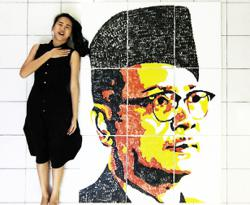 Malaysian artist uses thumbprints to create portrait of Tunku Abdul Rahman