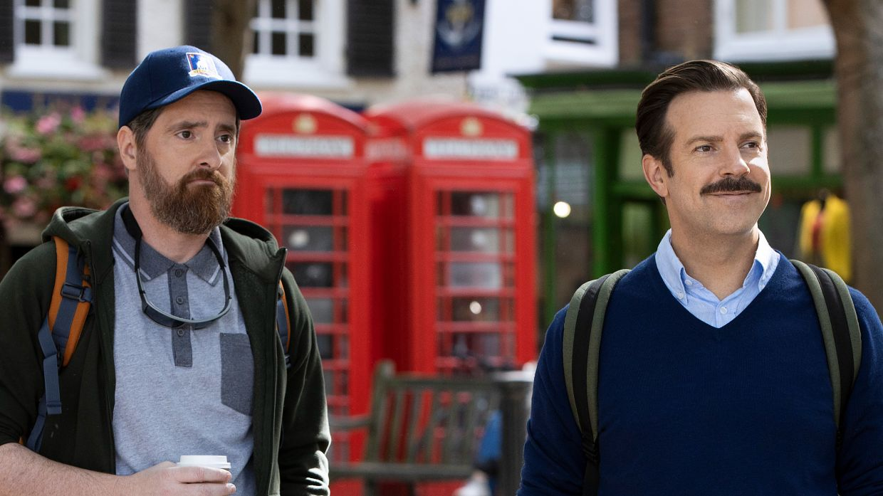 Jason Sudeikis (right) and Brendan Hunt play two Americans who end up training an English football club.