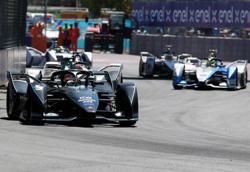 Vandoorne hands Mercedes a first Formula E win in season-ender