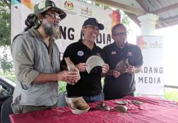 Chinese artefacts discovered for first time in Sungai Pahang in Pekan