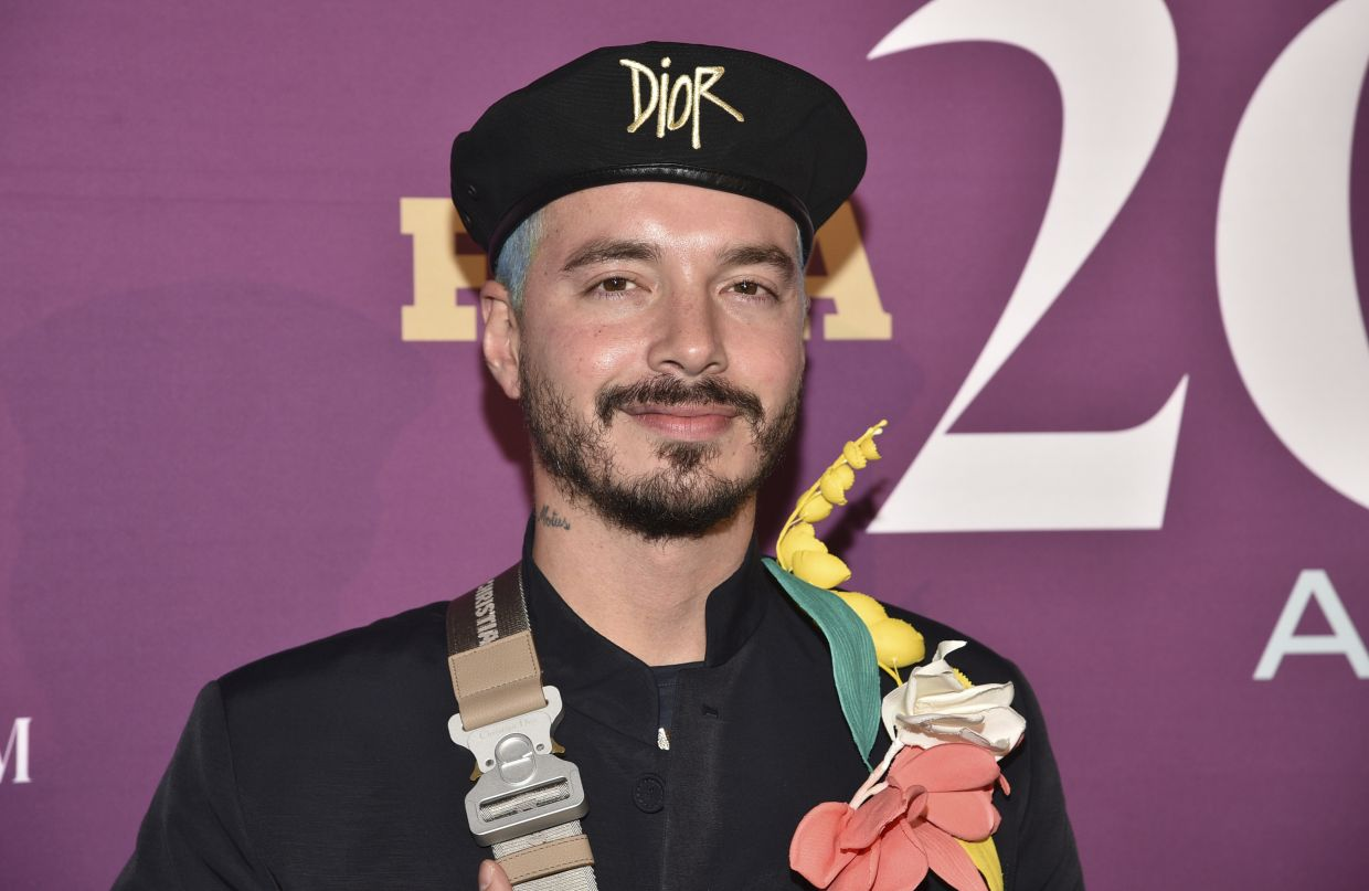 Colombian Singer J Balvin Says He Is Recovering From Covid 19 The Star