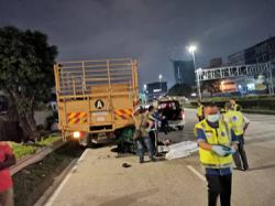 Food delivery rider dies after crashing into lorry on Besraya Expressway