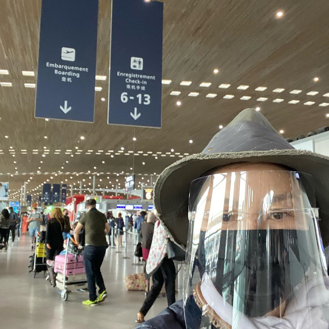 Yeoh wore a face shield, mask and goggles while travelling from Paris To Sydney last month. Photo: Instagram/Michelle Yeoh