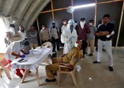 India reports record daily jump of 69,672 in coronavirus infections