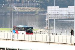 Free shuttle bus service for Causeway pedestrians