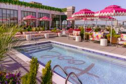 Dolly Parton inspires this pink hotel in Nashville