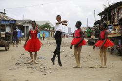Nigerian boy gains fame with viral dance video