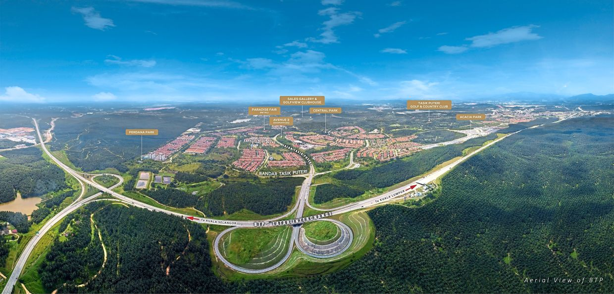 Bandar Tasik Puteri is right in the middle, with the LATAR highway winding across the south, providing direct access to the North-South Expressway and the Guthrie Corridor Expressway.