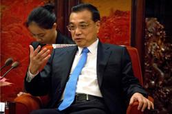 Chinese premier stresses flood control, post-disaster recovery
