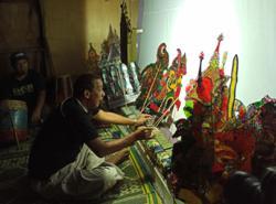 Malaysian master puppeteer defends 'haram' wayang kulit in Kelantan