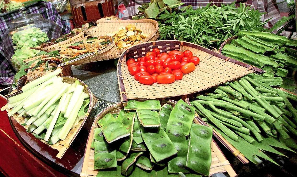 In some modern ulam stations, even macro vegetables like tomatoes are termed ulam even though they are not really ulam in the traditional or nutritional sense. — Filepic
