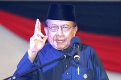 Rais Yatim sworn in as Dewan Negara president