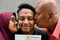 Eight years on, Malaysian eSports player wins citizenship battle