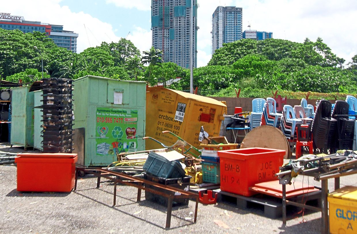 These recycling bins were seized as they were in areas that were not permitted by DBKL.
