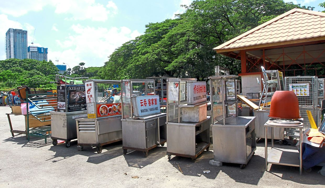 Hundreds of stalls have been confiscated during DBKL raids.